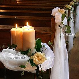 Dekoracja ślubna – kwiaty i świece