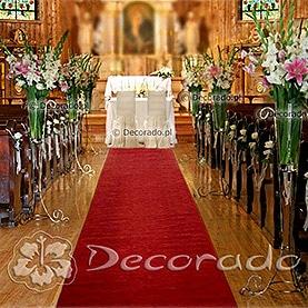 Kwiatowa alejka – dekoracja ślubna kościoła w Łodzi