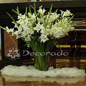 Piękno kwiatów – lilia z gladiolą – kościół Św. Józefa