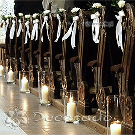 Dekoracja kościoła w Rydzynie – lampiony i róże