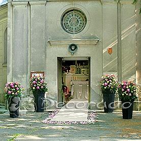 Dekoracja wejścia kościoła w Wąsowie