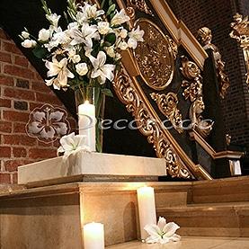 Bukiet wysokich kwiatów – ołtarz w Katedrze Poznańskiej