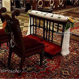 Delikatna letnia dekoracja ślubna Fary w Obornikach