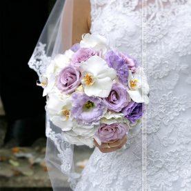 Wiązanka ślubna z fioletem