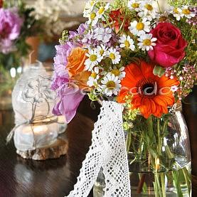 Bawełniana koronka – dekoracje slubne w stylu vintage
