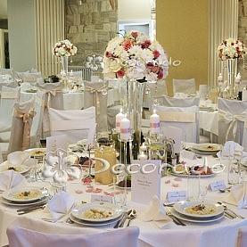 Kwiaty, szkło, świece – Hotel Gromada w Pile