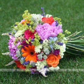 Wiązanka ślubna z polnych kwiatów