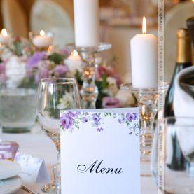 Eleganckie dodatki w odcieniach fioletu – dekoracja w Pałacu Wąsowo