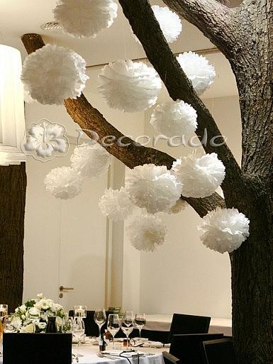 "Delikatne ""pompony"" – dekoracja Hotelarni"