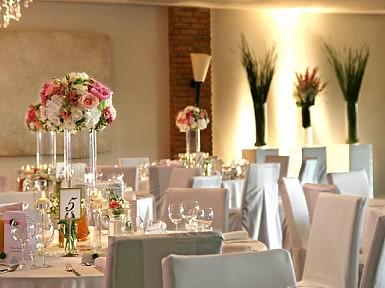 Elegancka dekoracja ślubna w Hotelu Remes