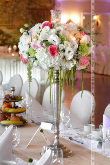 Przepych kwiatów – dekoracja ślubna Pałacu na Opieszynie